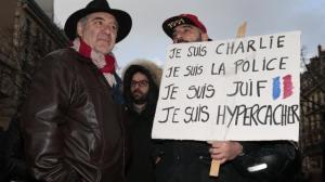policiers-et-gendarmes-acclames-par-la-foule_3